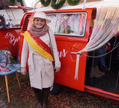 Miss Strohhut zu Besuch beim Fotobus Eventsnapper auf Miss Strohhut