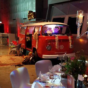 Der Fotobus – ein Retro-Bus mit Fotobooth für Hochzeiten & Events