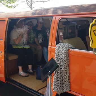 Der Fotobus – ein Retro-Bus für Hochzeiten & Events Eventsnapper auf der fotobus Eventsnapper auf der fotobus